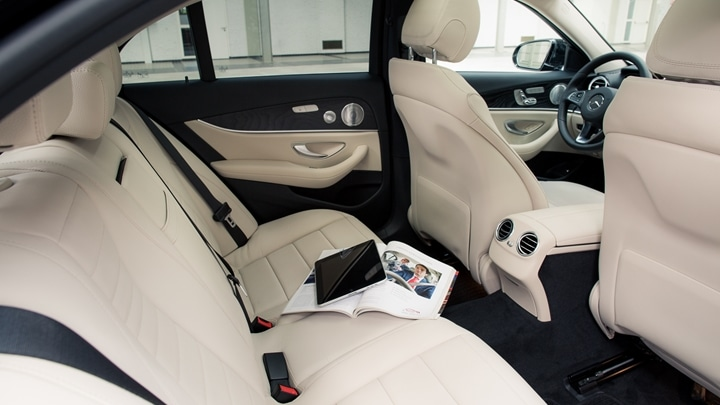 Directie-auto met chauffeur